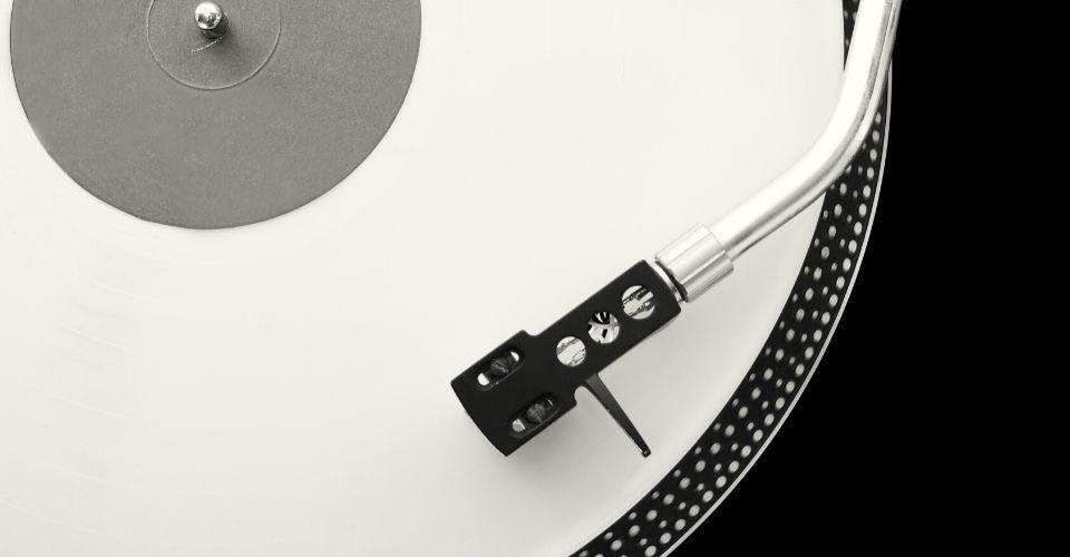 Muziek brengt je geest tot rust als het stormt